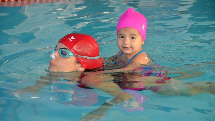 Κολύμβηση για την σωματική και ψυχική υγεία των παιδιών